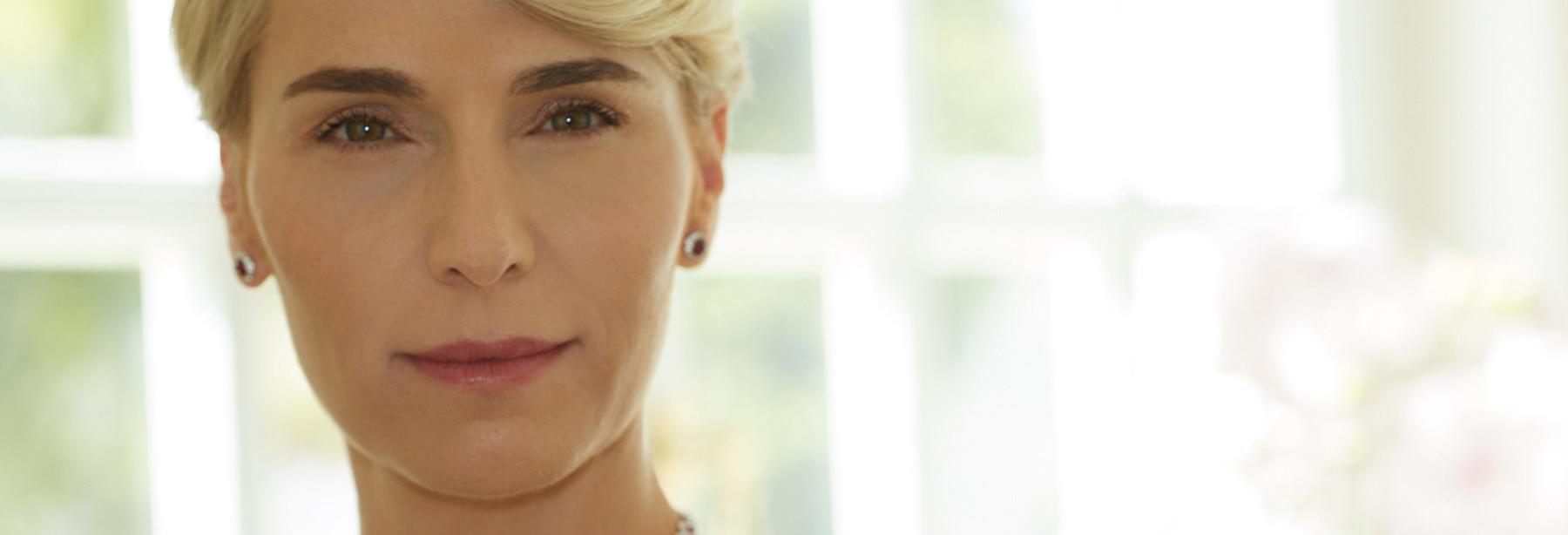 אנה ברנובסקי Anna Barnovsky טיפולי שפתיים